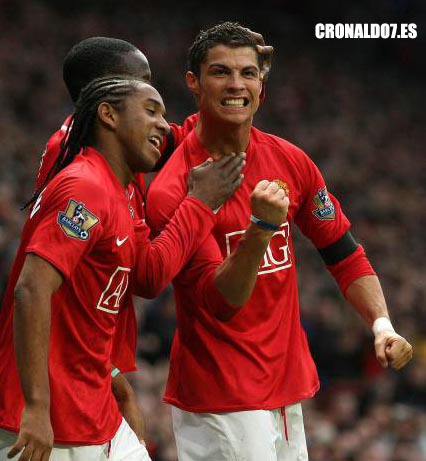 Cristiano Ronaldo marca dos goles contra el Blackburn